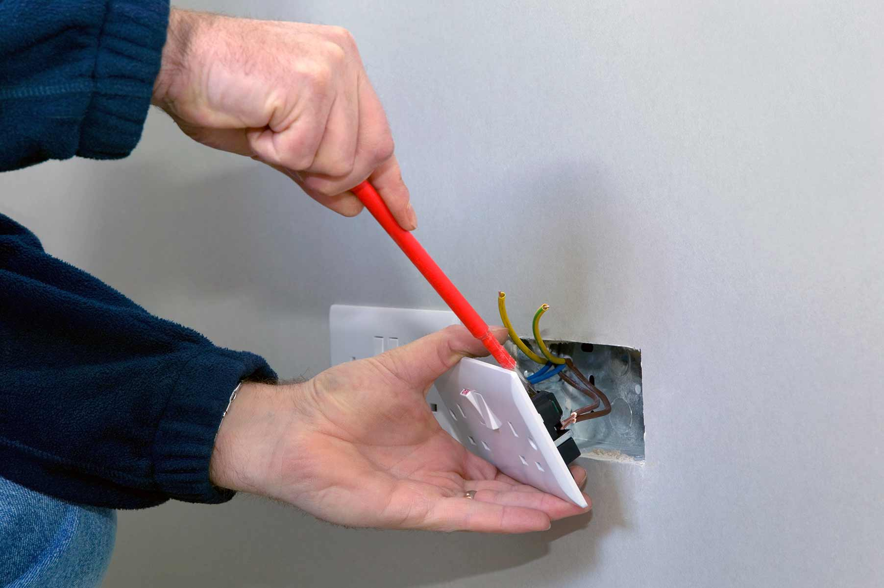 Our electricians can install plug sockets for domestic and commercial proeprties in Westminster and the local area.